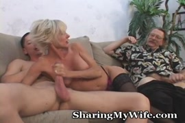 Mature lady gives her hubby great blowjob