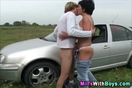 Mature with small tits gets creampie in the car.