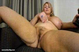 Tattooed bigtitty chubby amateur slut fucks herself with dildo.