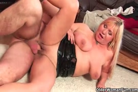 Honey silverdaddy gets a mouth full of cum from alexa grace.