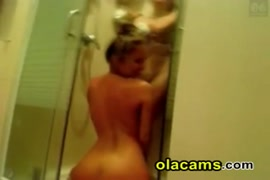Sexy girl masturbating on webcam in the shower.