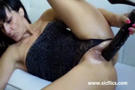 Hot amateur milf blowjob and huge cumshot in the morning.